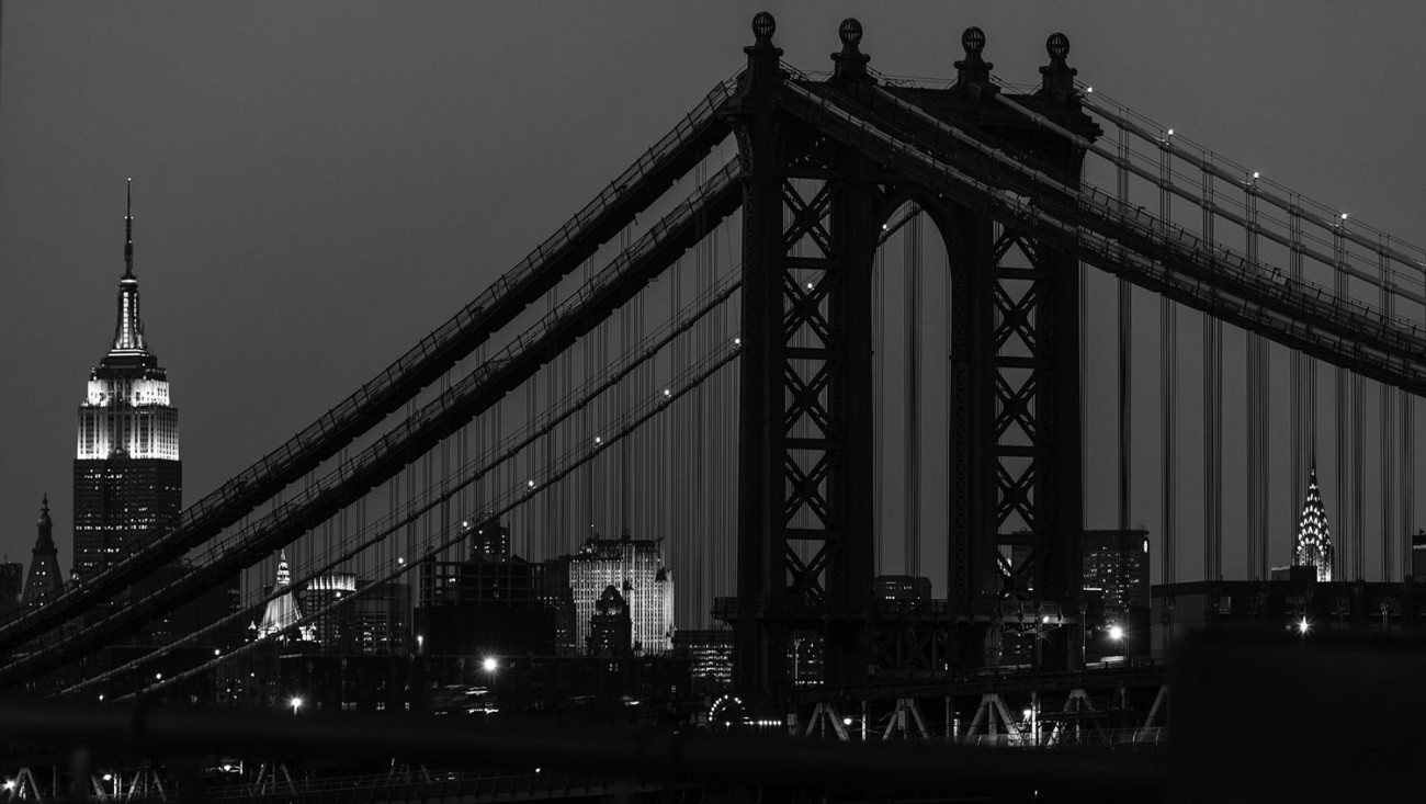 New York Icons and the Manhattan Bridge, black and white, NY, 20