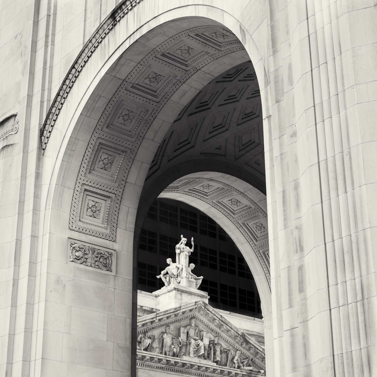 Courthouse pediment and arches, New York, 2014