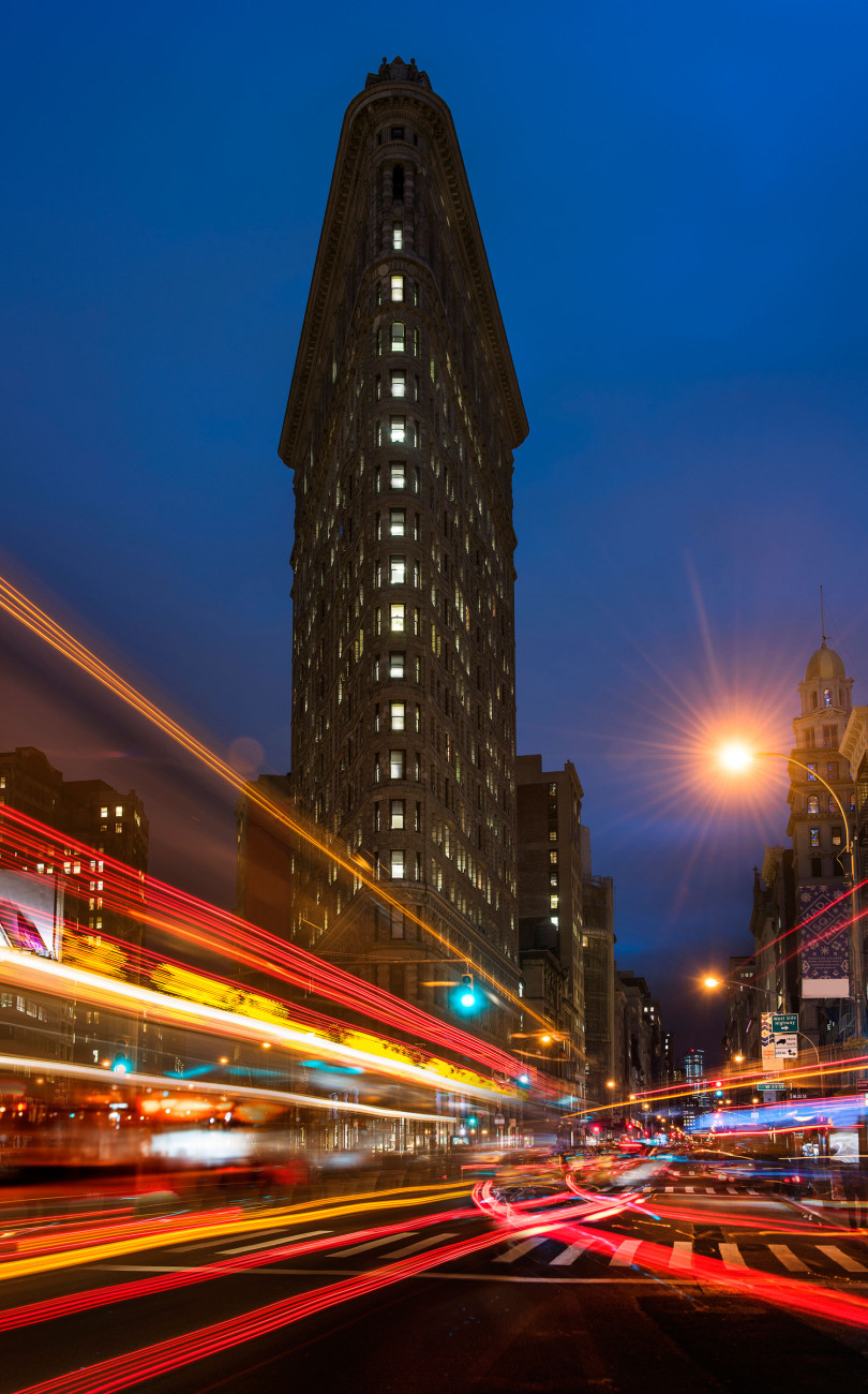 Flatiron Building and evening traffic patterns, NY, 2014