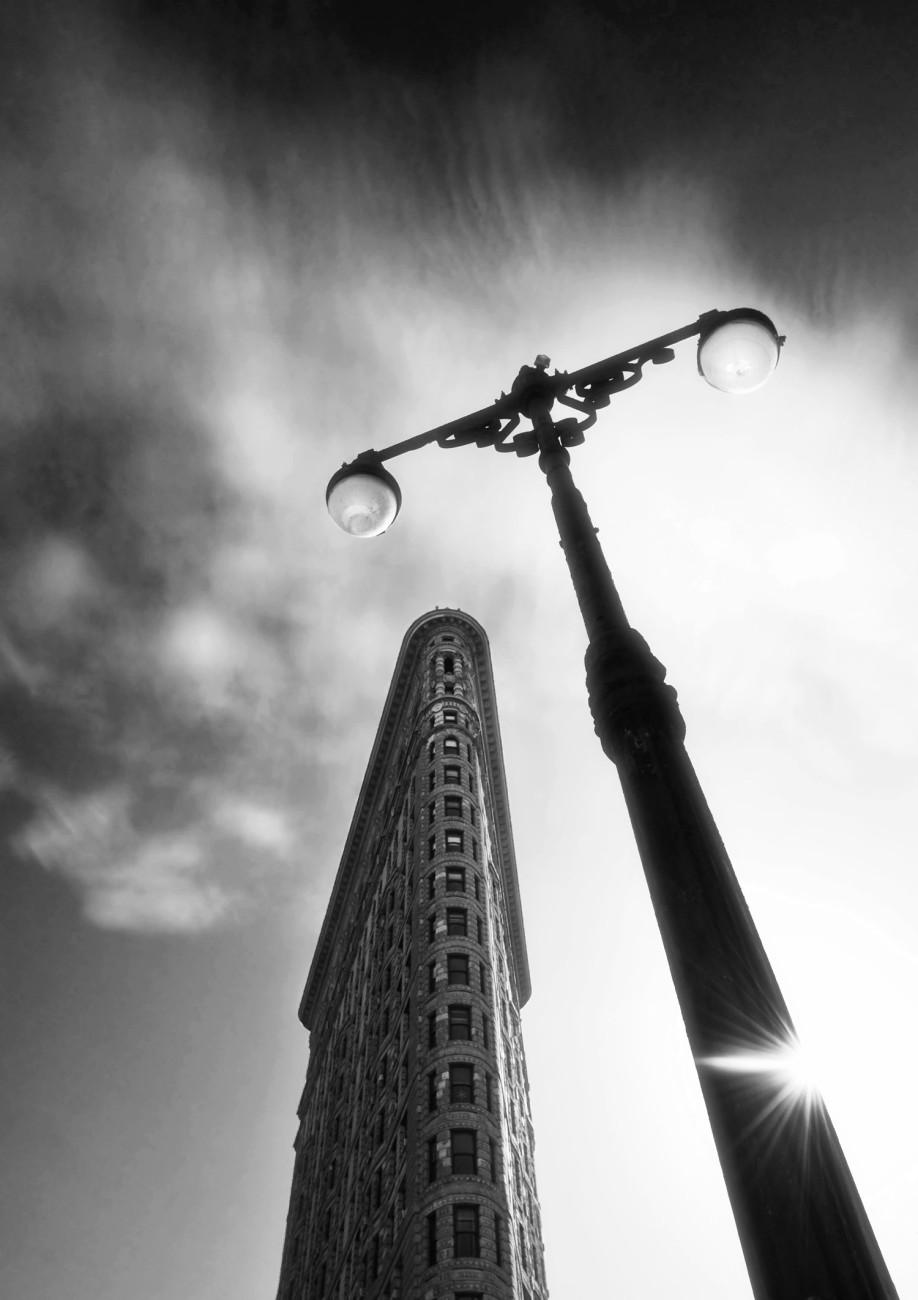 Flatiron with lamp and sun burst, NY, 2009