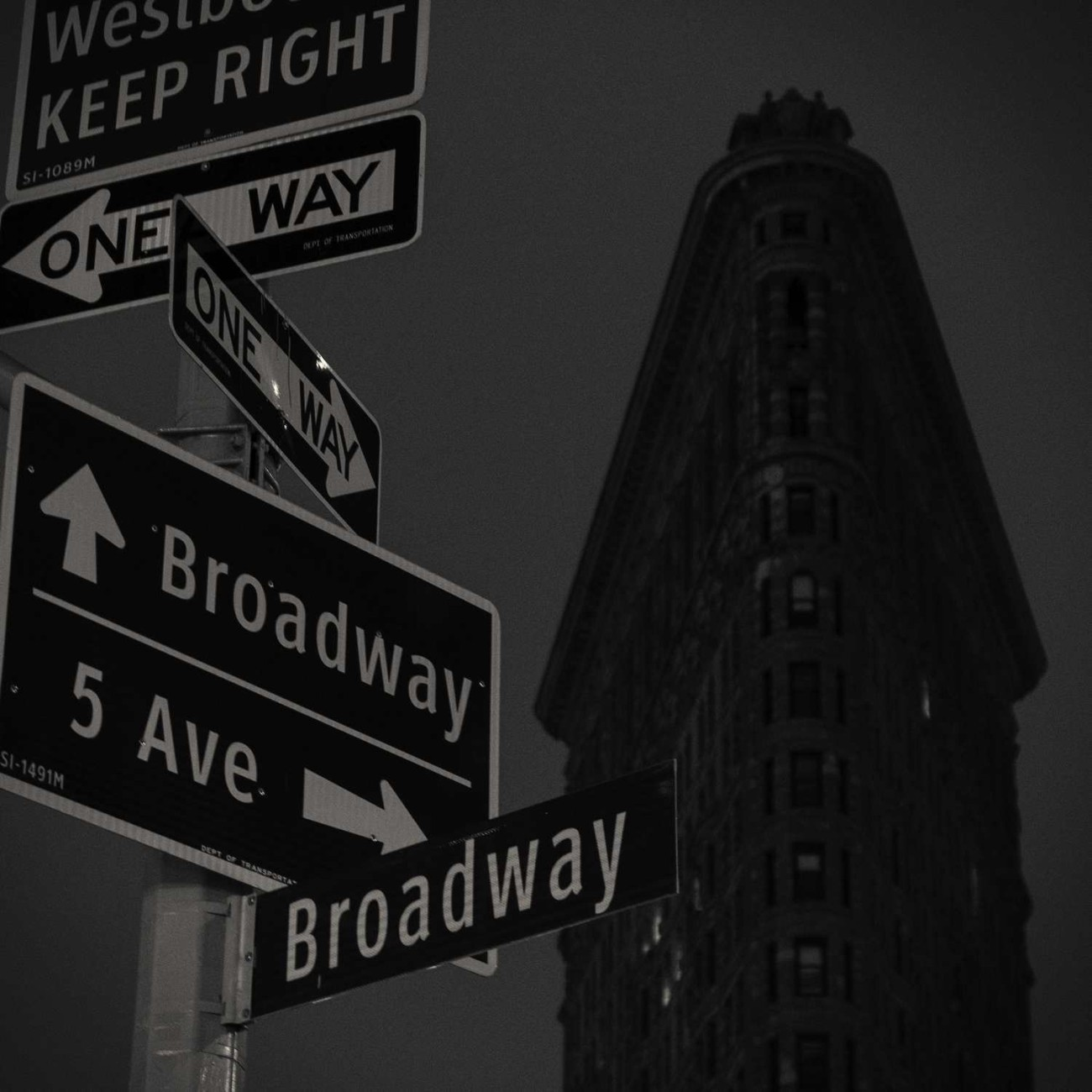 Flatiron and steet signs, New York, 2015