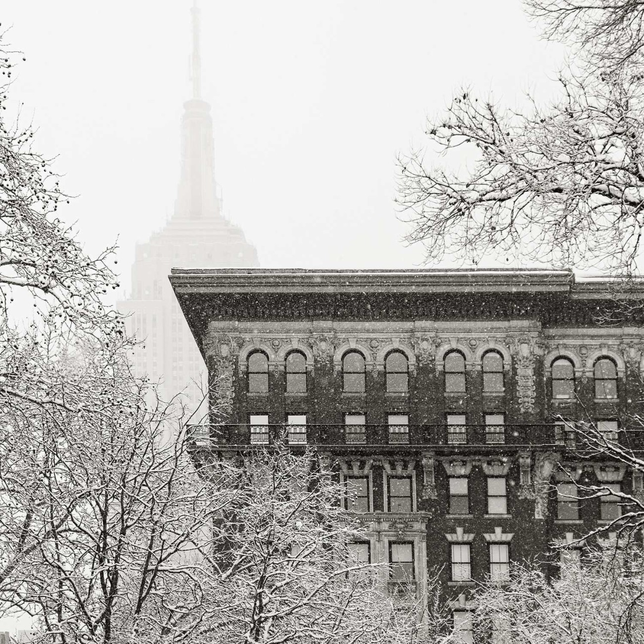 Empire State Building in falling snow, New York, 2015